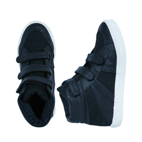 FabKids Shoes Multi-Strap High Top Boys Black Size 03 These trend right high tops are sure to make your little guy feel cooler than ever. Complete with three adjustable straps with canvas and faux leather detailing.