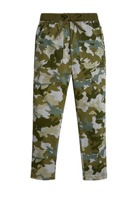 FabKids Jeans & Pants Green Camo Harem Pant Boys Green Size XS These cool and comfy pants are perfect for casual days! Complete with two kanga pockets, back pockets, easy elastic waistband, and faux drawstring detail.