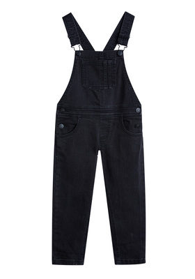 FabKids Jeans & Pants Skinny Black Overalls Girls Black Size 08 A classic favorite, this denim overall is cute and comfortable! Made of denim with added stretch and includes adjustable shoulder straps with snap closures. Layer with a basic tee, sweater, or fashion knit top.