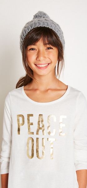 The Peace Out Graphic Outfit