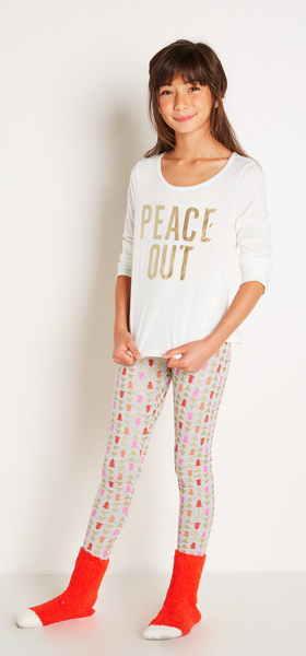 The Peace Out Tee Outfit