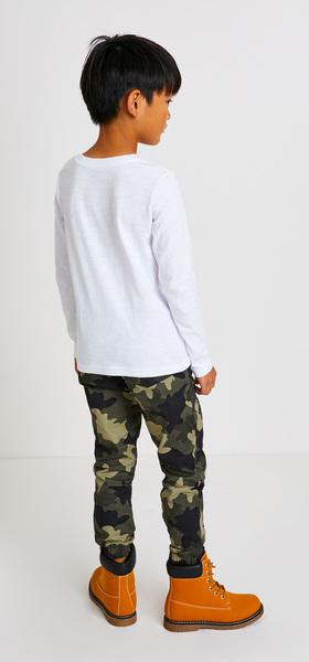 Pocket Tee Camo Outfit