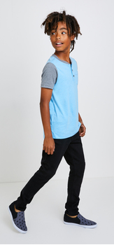 Colorblock Pocket Henley Outfit